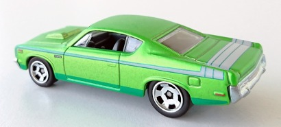 gallery/70 rebel machine spectrafrost lime green hw bruks 1b 2013 cool classics no 11  vita aquagröna stripes grå inredning